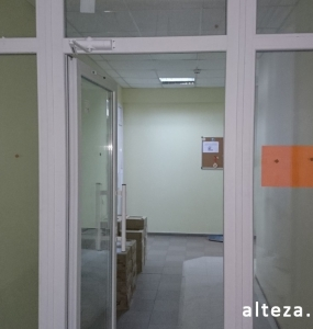 Photo of installation of metal-plastic windows in a multi-storey building by employees of the Alteza construction company-19.