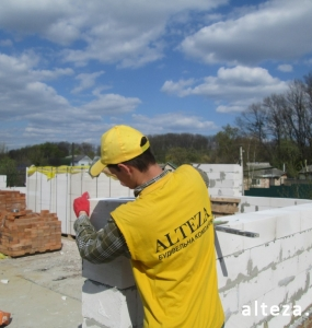 Photos of the construction of a cottage in Poltava by the employees of the construction company Alteza in Poltava.